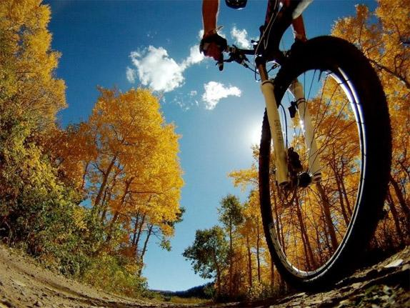 5 Pieces of Gear for Fall Bike Rides